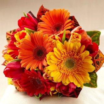 Букет невесты из тюльпанов и гербер «Искушение цветом»