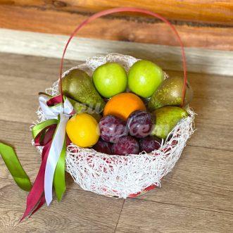 fruktovoe-assorti-s-grushami