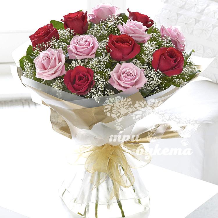 buket-iz-13-raznocvetnyh-roz