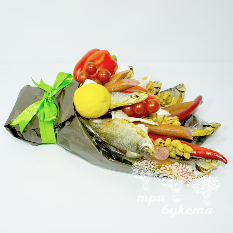 buket-iz-vyalenoj-ryby-i-kolbasy-2