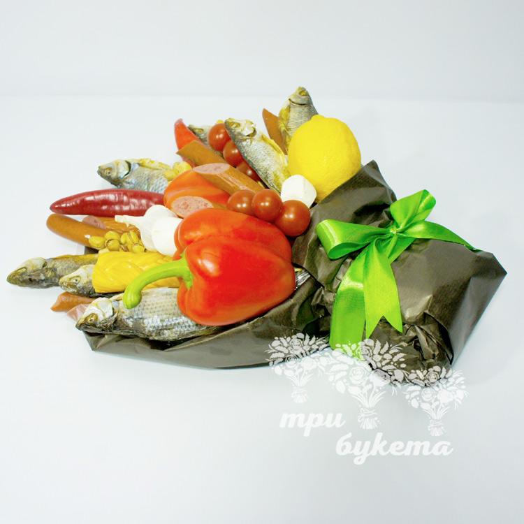 buket-iz-vyalenoj-ryby-i-kolbasy-3